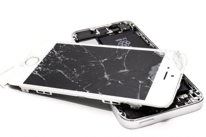 layar iphone pecah